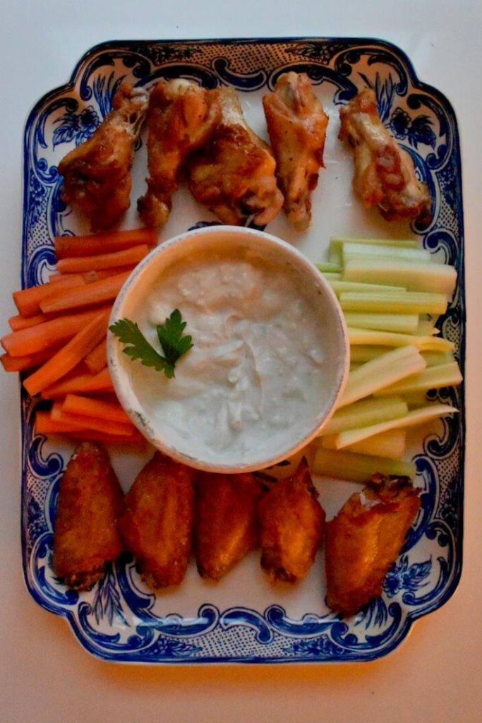 Crispy Baked Chicken Wings by @easyweekingtmeals #ChickenWings