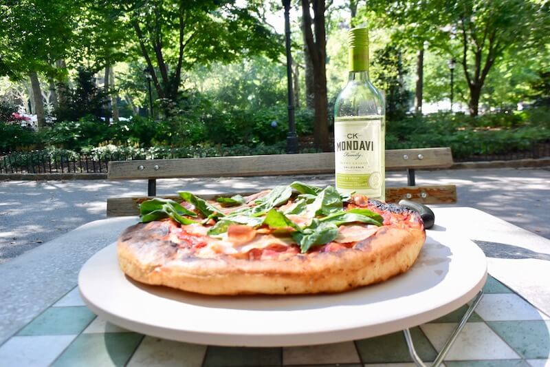 Join @dishourtown for some #pizza with #bacon and #spinach along with the perfect #wine pairings.